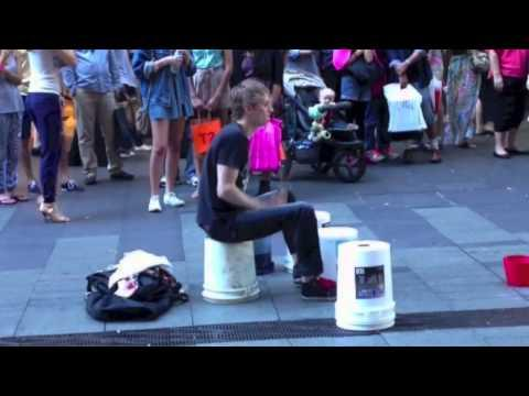 New York - Street Drummer